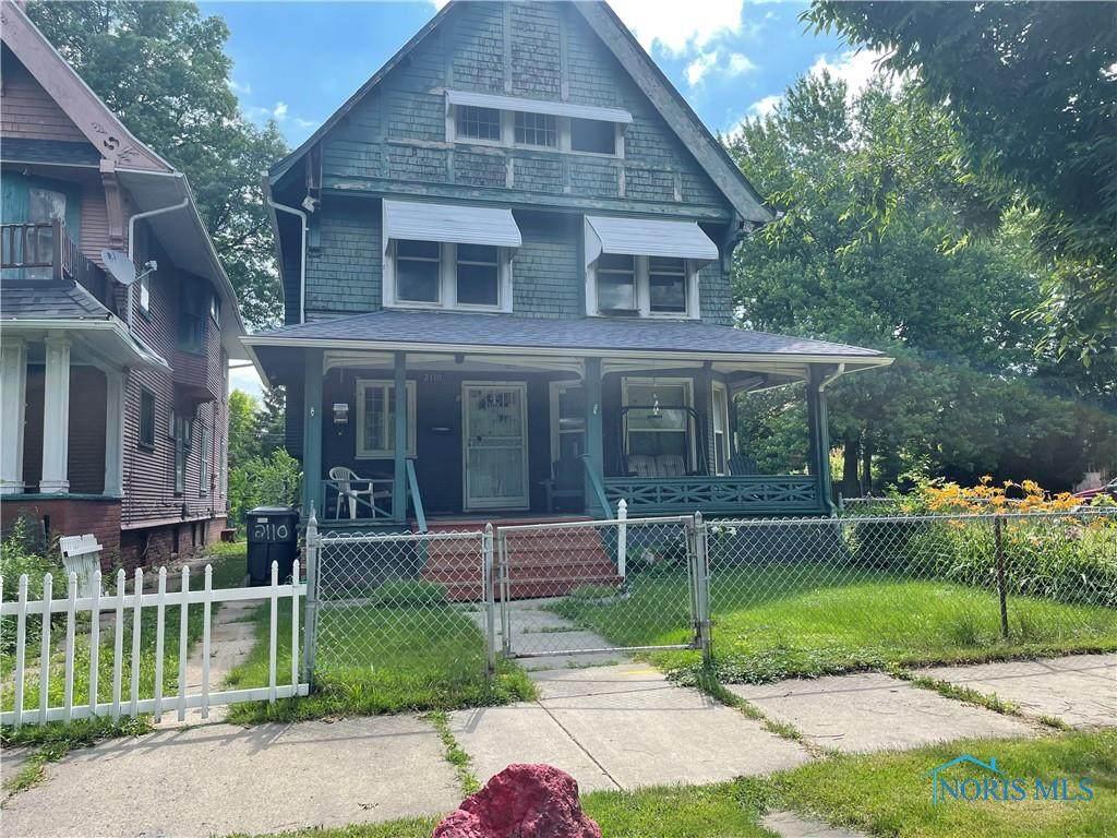 2110 Maplewood Avenue - Photo 1