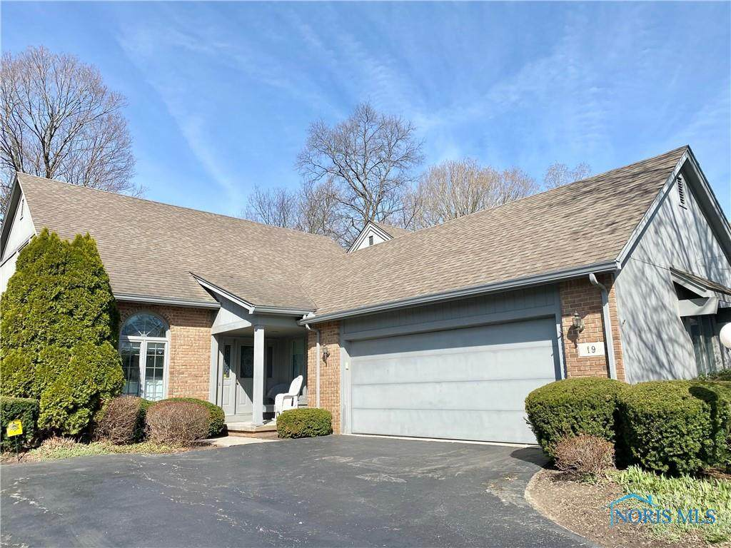 19 Woodforest Parkway - Photo 1