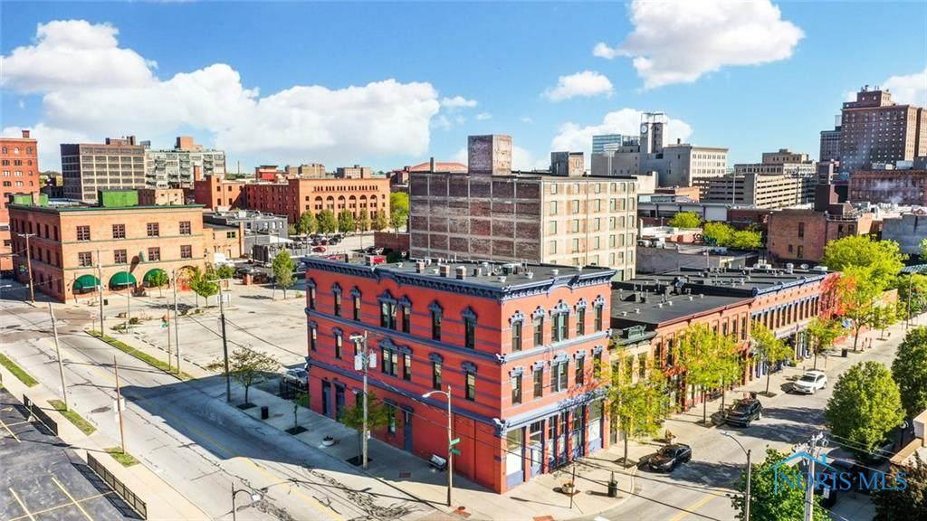 44 Saint Clair Street - Photo 1
