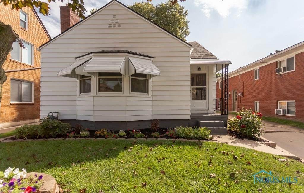 3426 Douglas Road - Photo 1