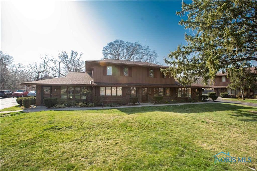 4061 Sherwood Forest Manor - Photo 1