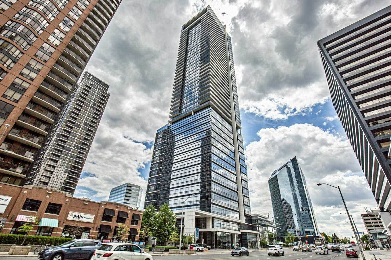 5 Sheppard Ave - Photo 1