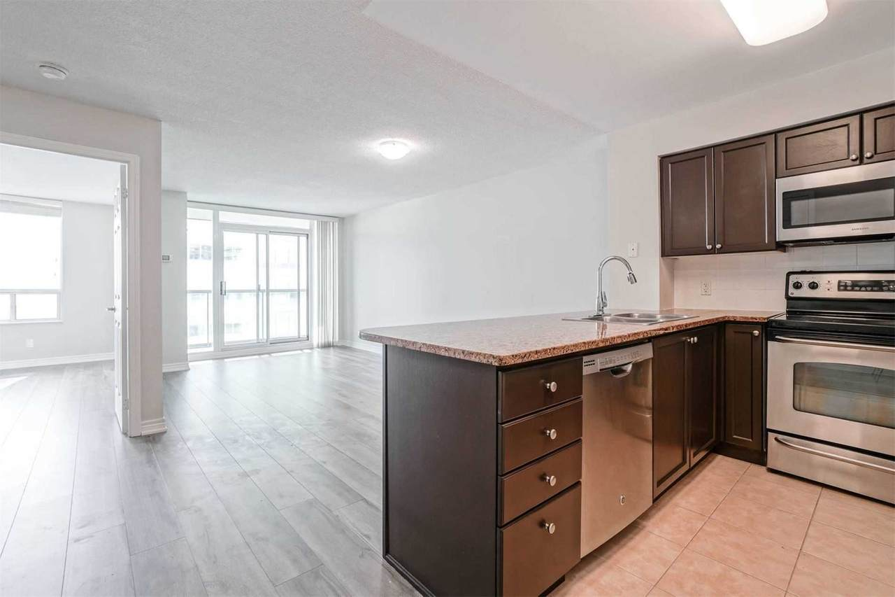 30 Grand Trunk Cres - Photo 1