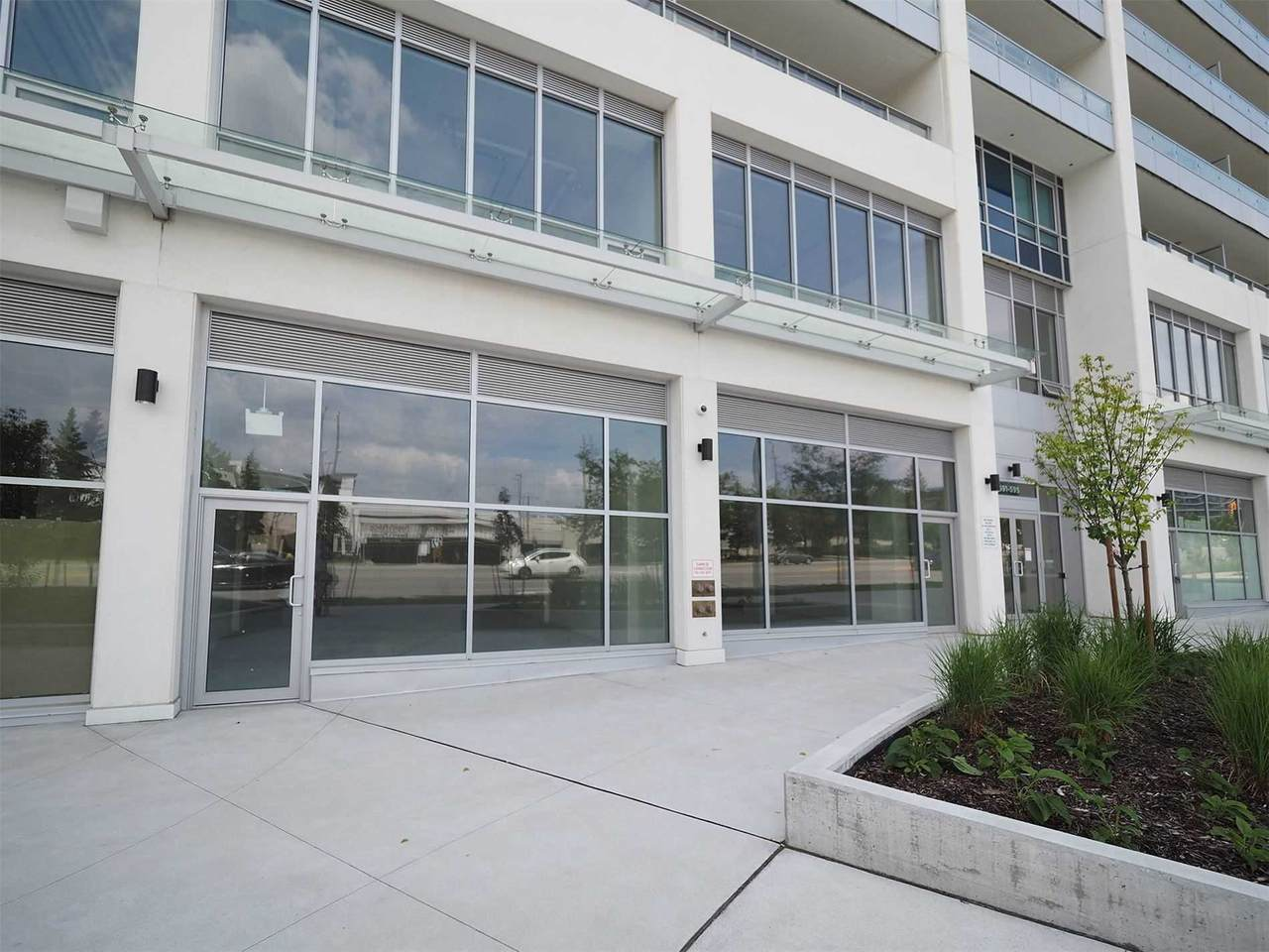 595 Sheppard Ave - Photo 1