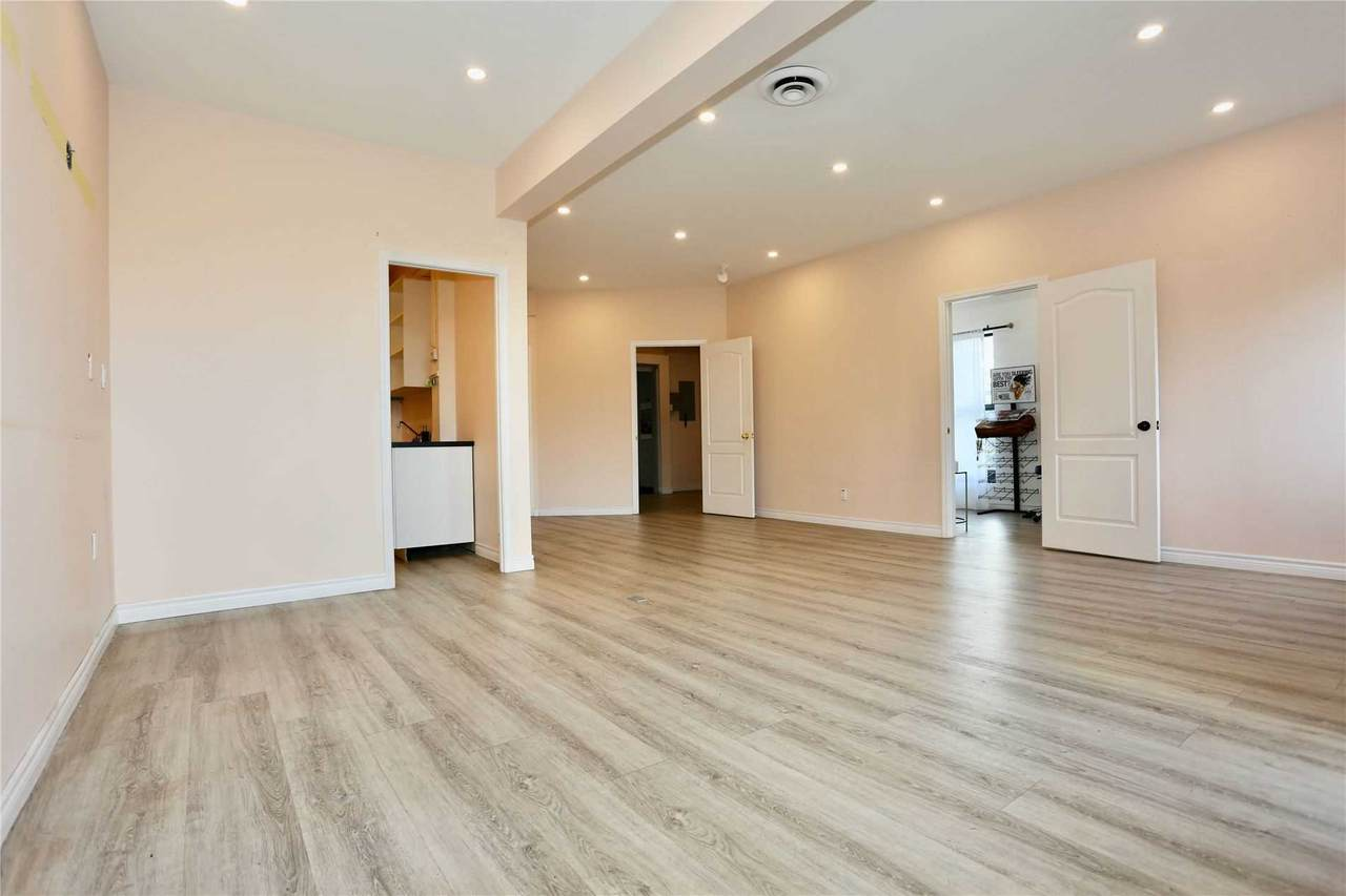 720 Sheppard Ave - Photo 1