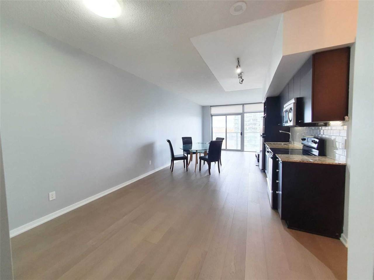 103 The Queensway Ave - Photo 1