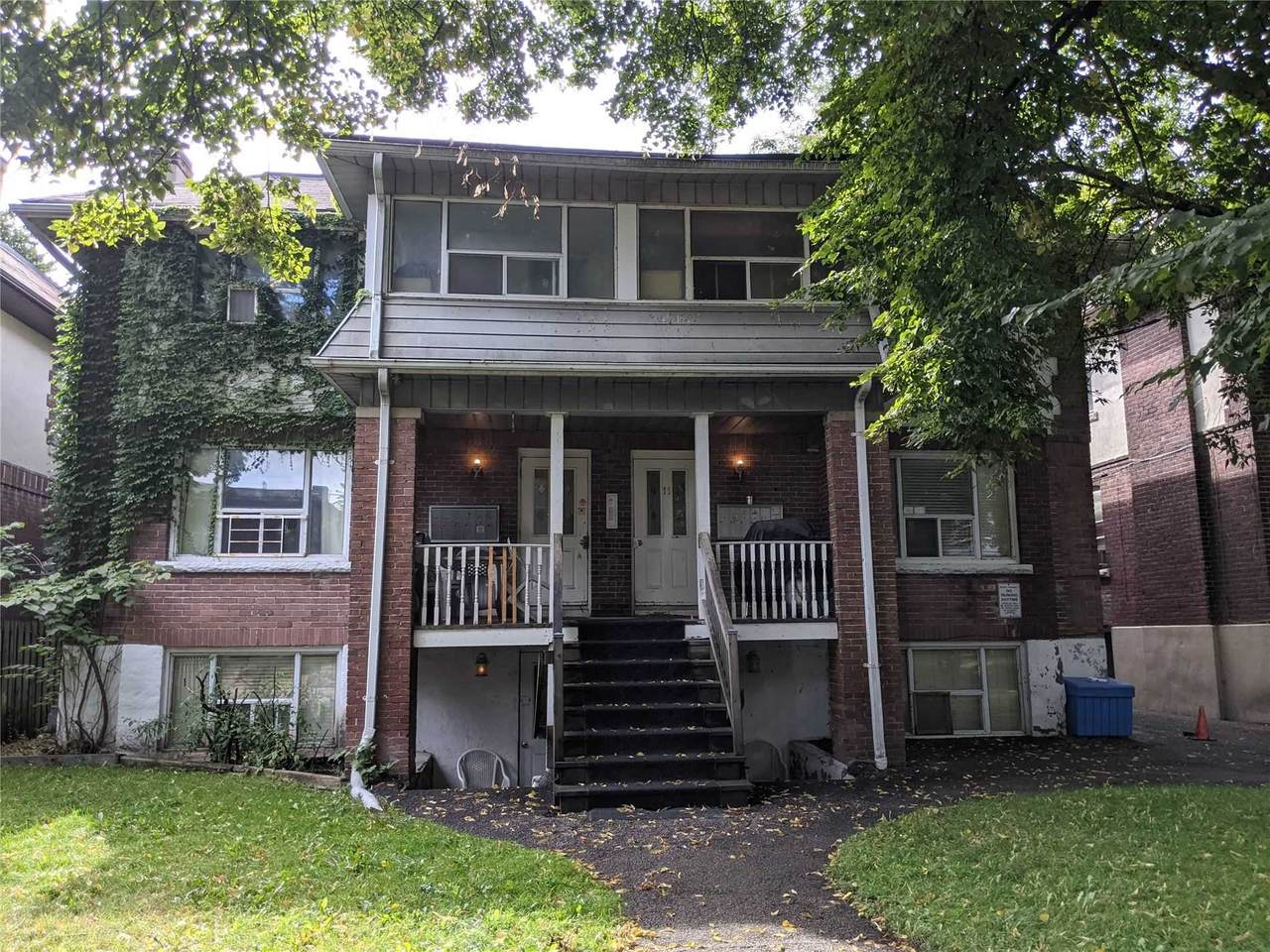 9,11,15 Temple Ave - Photo 1