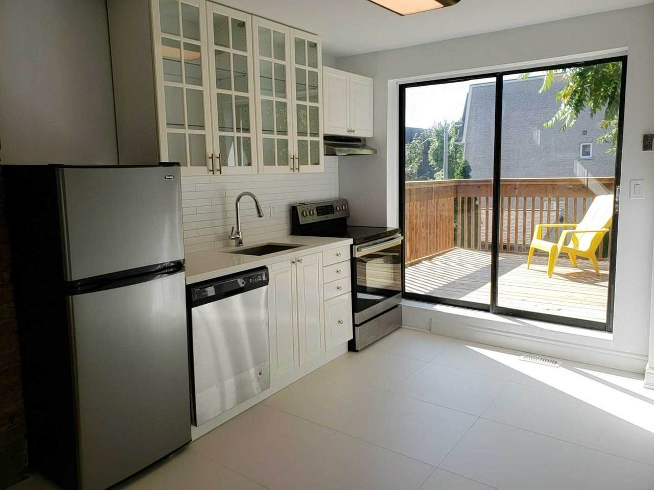 281 Wallace Ave - Photo 1
