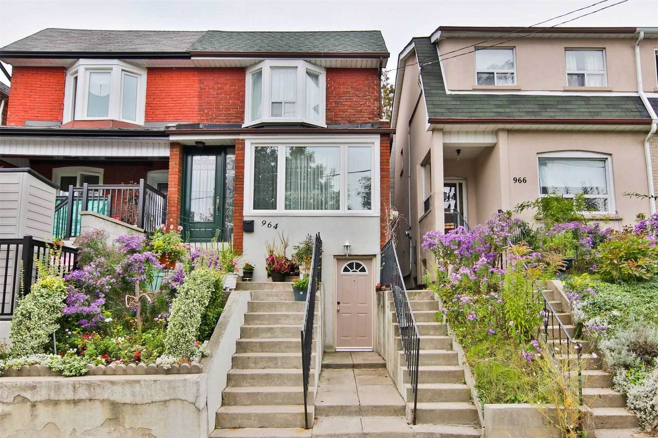 964 St Clarens Ave - Photo 1