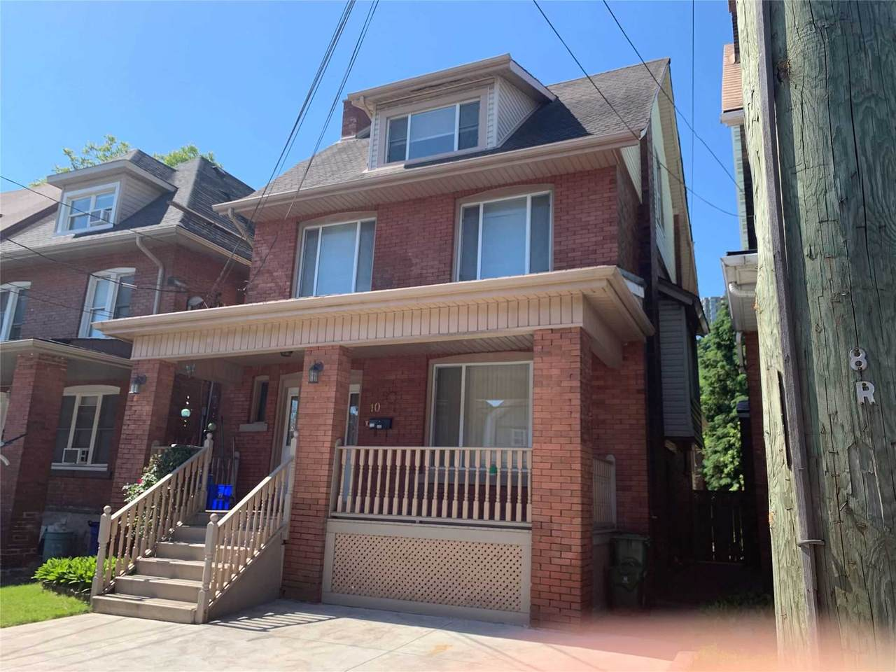 10 Rutherford Ave - Photo 1