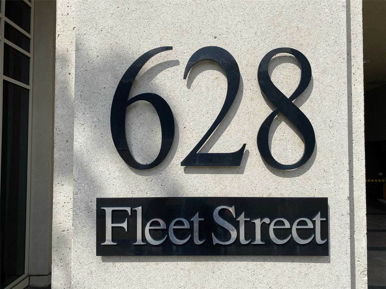 628 Fleet St - Photo 1