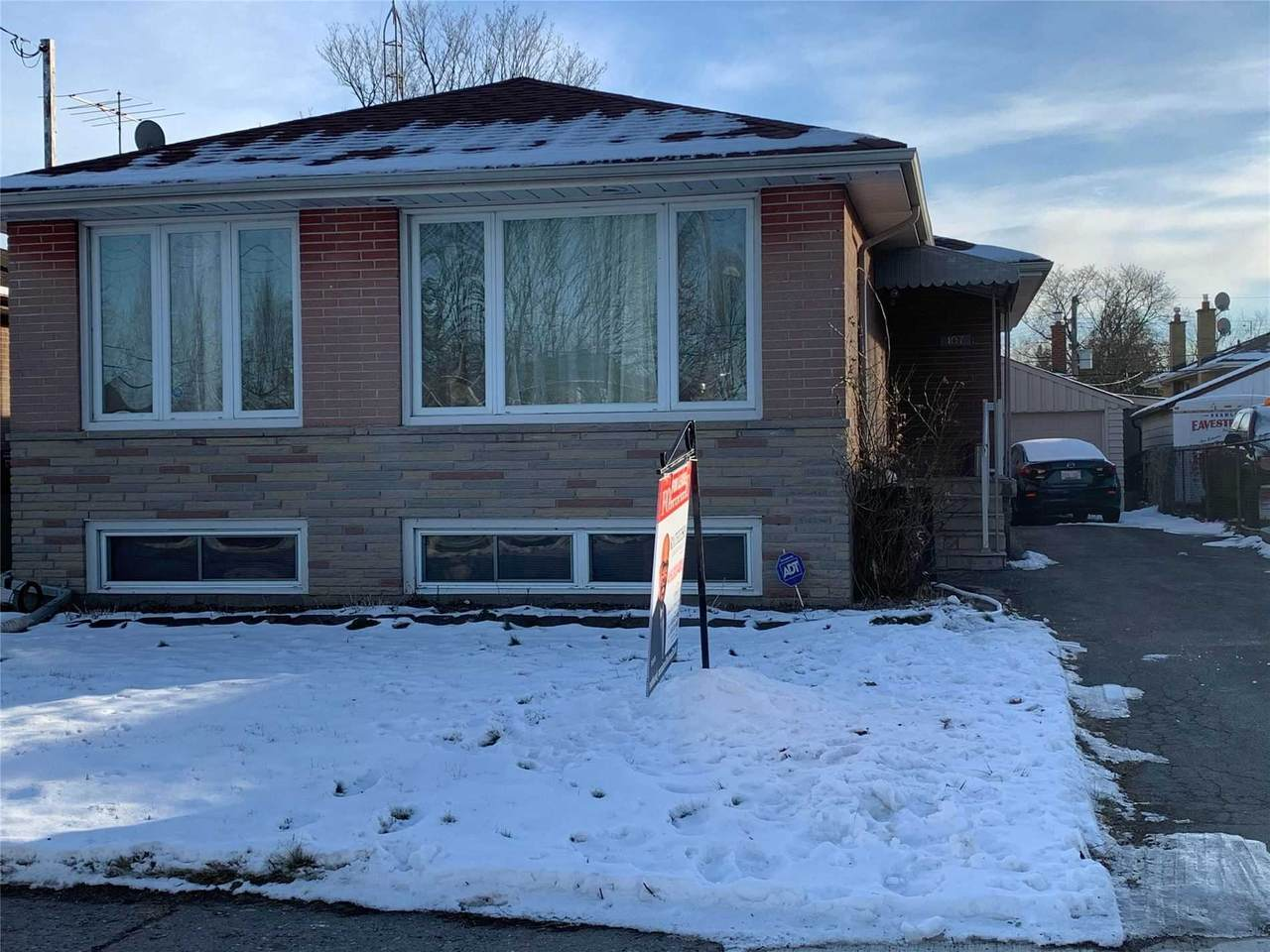 107 Milford Haven Dr - Photo 1