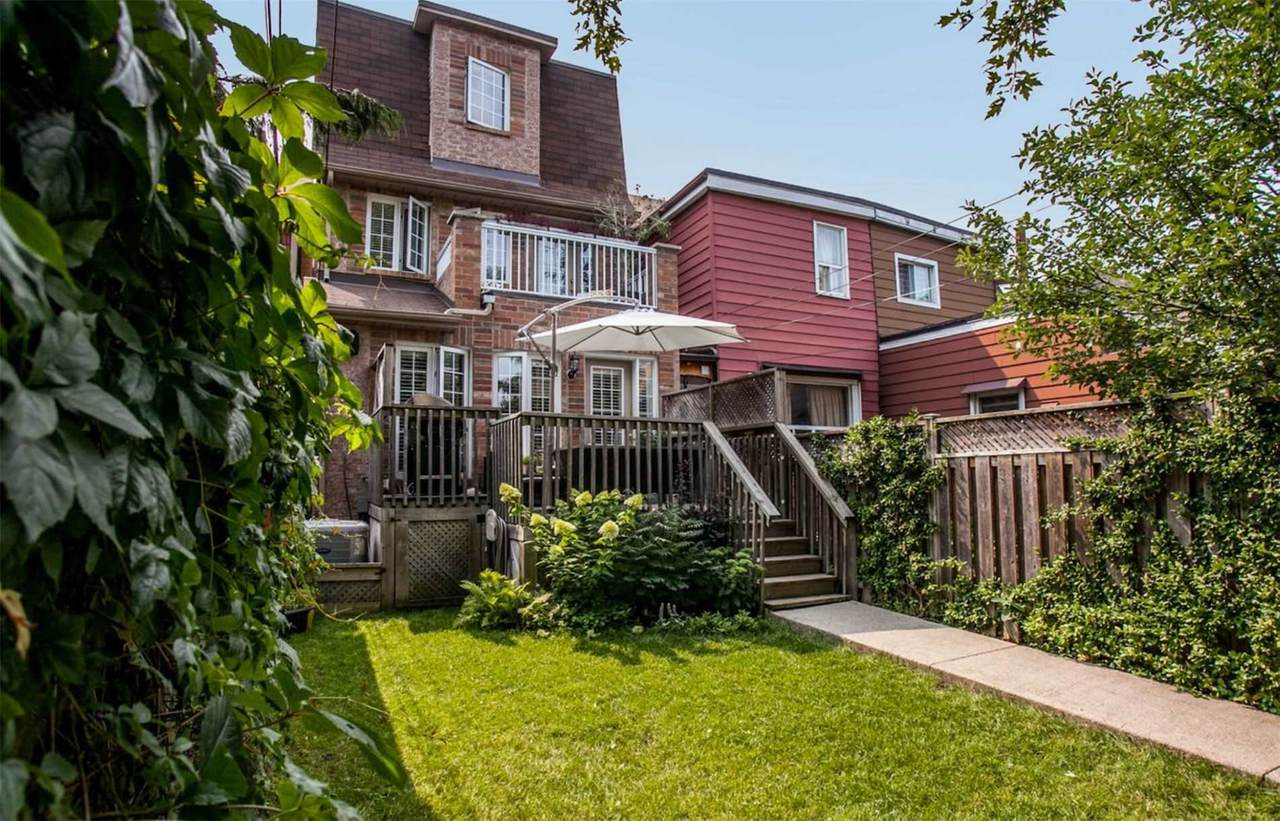 119 Carlaw Ave - Photo 1