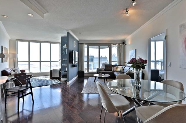 208 W Queens Quay #3211, Toronto, ON M5J 2Y5 (#C4385025) :: Jacky Man | Remax Ultimate Realty Inc.