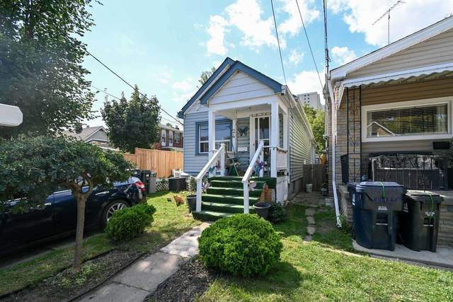 24 Newman Ave, Toronto, ON M4C 5A6 (#E5411189) :: Royal Lepage Connect