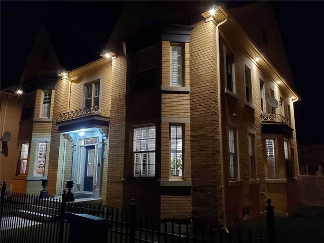 2 Crescent Park Lane, Markham, ON L6C 0A6 (#N5120100) :: The Johnson Team