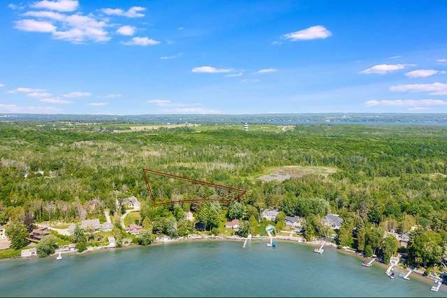 43 Crescent Harbour Rd, Innisfil, ON L9S 2Y8 (MLS #N5270911) :: Forest Hill Real Estate Inc Brokerage Barrie Innisfil Orillia