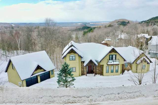 17 Valleycrest Dr, Oro-Medonte, ON L0L 2L0 (#S5126497) :: The Johnson Team