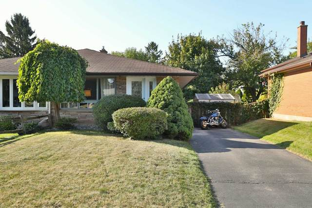 1371 Langdale Cres, Oakville, ON L6H 2K7 (#W4927120) :: The Ramos Team