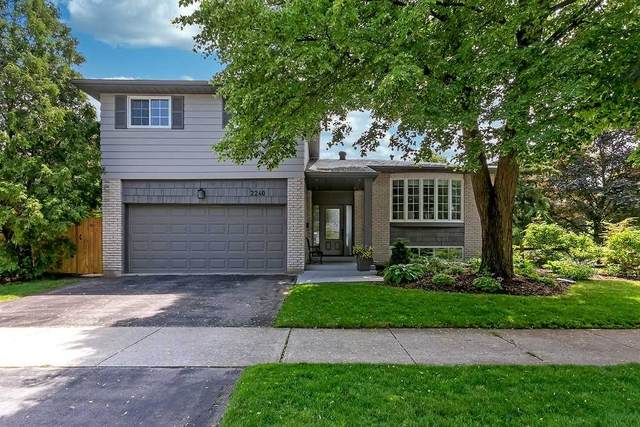 2240 Urwin Cres, Oakville, ON L6L 2T2 (#W5280381) :: The Ramos Team