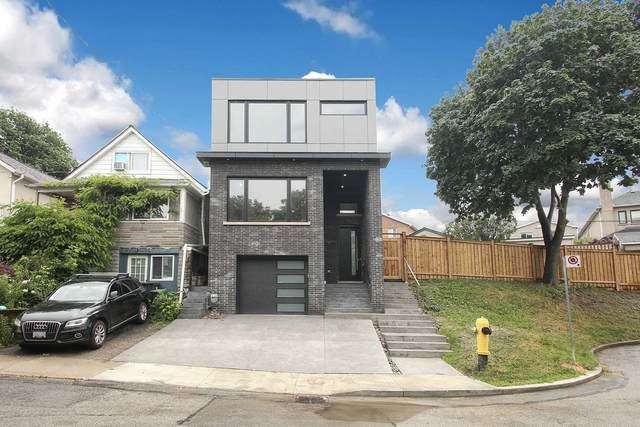22 Woodcroft Cres, Toronto, ON M6E 1W8 (#W5386767) :: Royal Lepage Connect