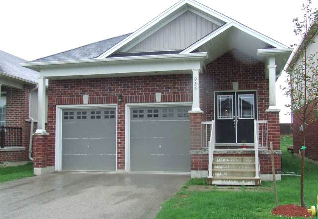 935 S Adams Ave, North Perth, ON N4W 0E7 (#X5400991) :: Royal Lepage Connect
