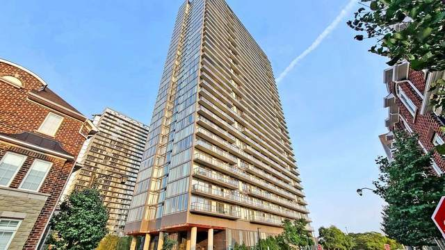105 The Queensway Ave #2709, Toronto, ON M6S 5B5 (#W4917926) :: The Ramos Team