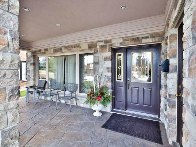 17 Hathor Cres, Toronto, ON M9L 1C1 (MLS #W5089331) :: Forest Hill Real Estate Inc Brokerage Barrie Innisfil Orillia