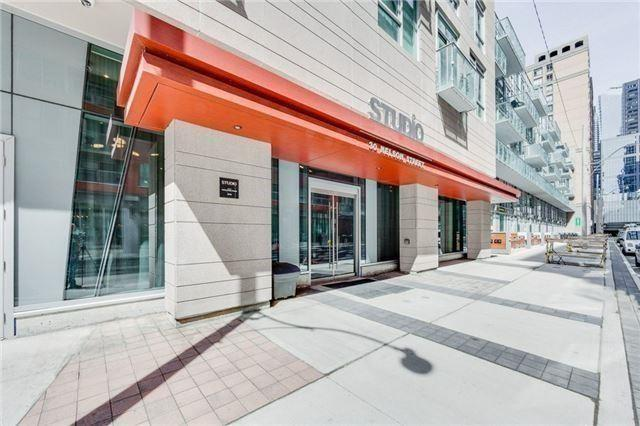 30 Nelson St #415, Toronto, ON M5V 0H5 (#C4047695) :: Beg Brothers Real Estate