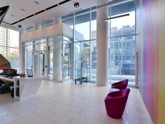 30 Roehampton Ave Th08, Toronto, ON M4P 1R2 (#C4104603) :: Team Nagpal, REMAX Hallmark Realty Ltd. Brokerage