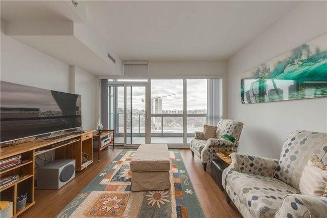 210 Simcoe St #1205, Toronto, ON M5T 1T4 (#C4127556) :: Beg Brothers Real Estate