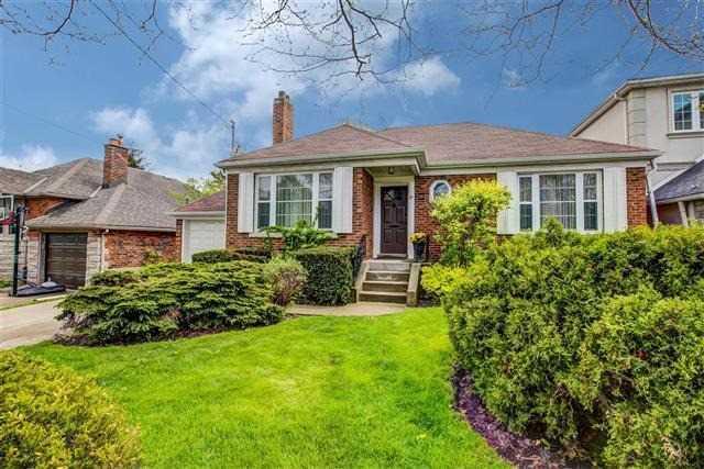 35 Burncrest Dr, Toronto, ON M5M 2Z2 (#C4131369) :: Beg Brothers Real Estate
