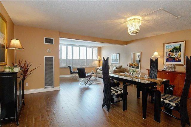 633 Bay St #218, Toronto, ON M5G 2G4 (#C4134755) :: Beg Brothers Real Estate