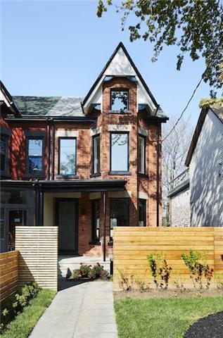 160 Borden St, Toronto, ON M5S 2N3 (#C4136886) :: Beg Brothers Real Estate