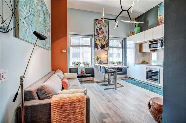 111 W St. Clair Ave #807, Toronto, ON M4V 1N5 (#C4193311) :: RE/MAX Prime Properties