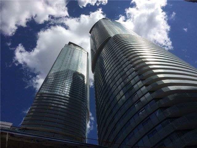 14 York St #6506, Toronto, ON M5J 2Z2 (#C4385192) :: Jacky Man | Remax Ultimate Realty Inc.