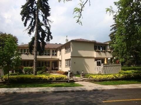 8 Ridge Hill Dr, Toronto, ON M6C 2J3 (#C4409794) :: Jacky Man | Remax Ultimate Realty Inc.