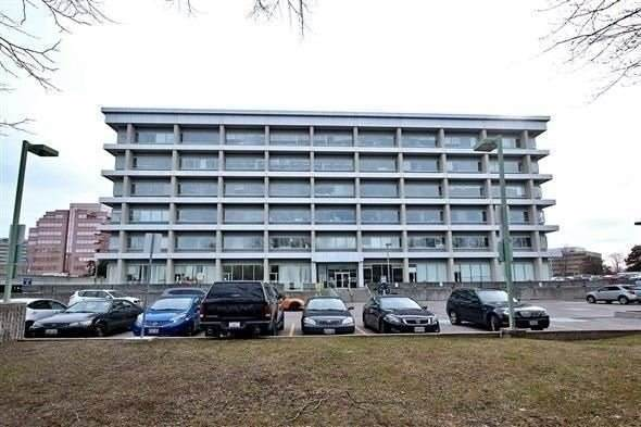 220 E Duncan Mill Rd #603, Toronto, ON M3B 3J5 (#C4869318) :: The Ramos Team