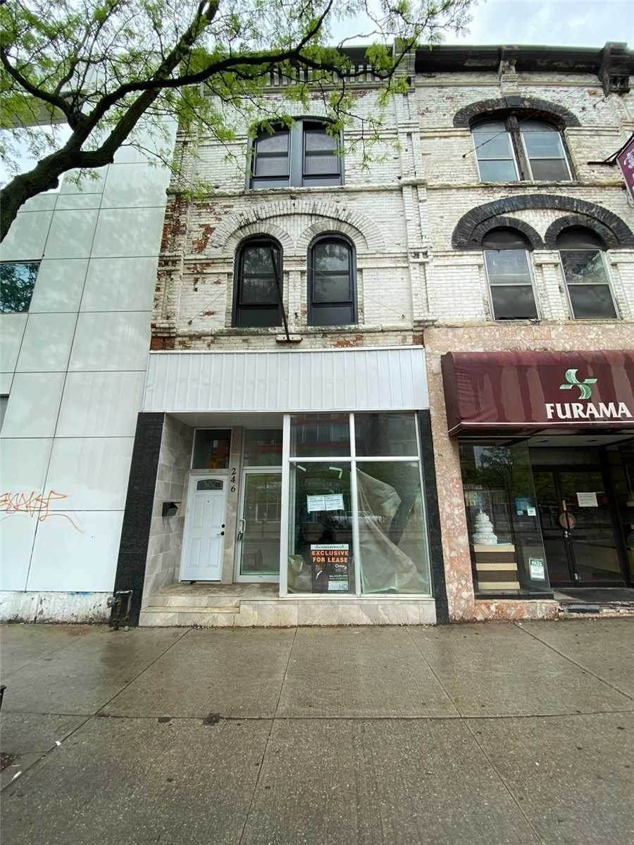 246 Spadina Ave - Photo 1