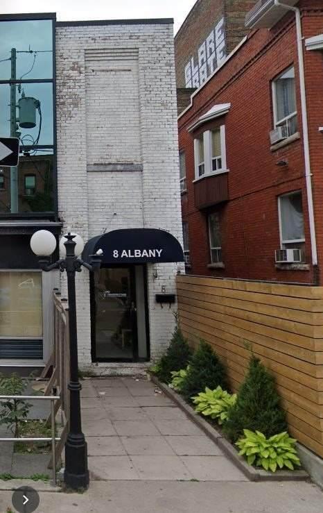 8 Albany Ave - Photo 1