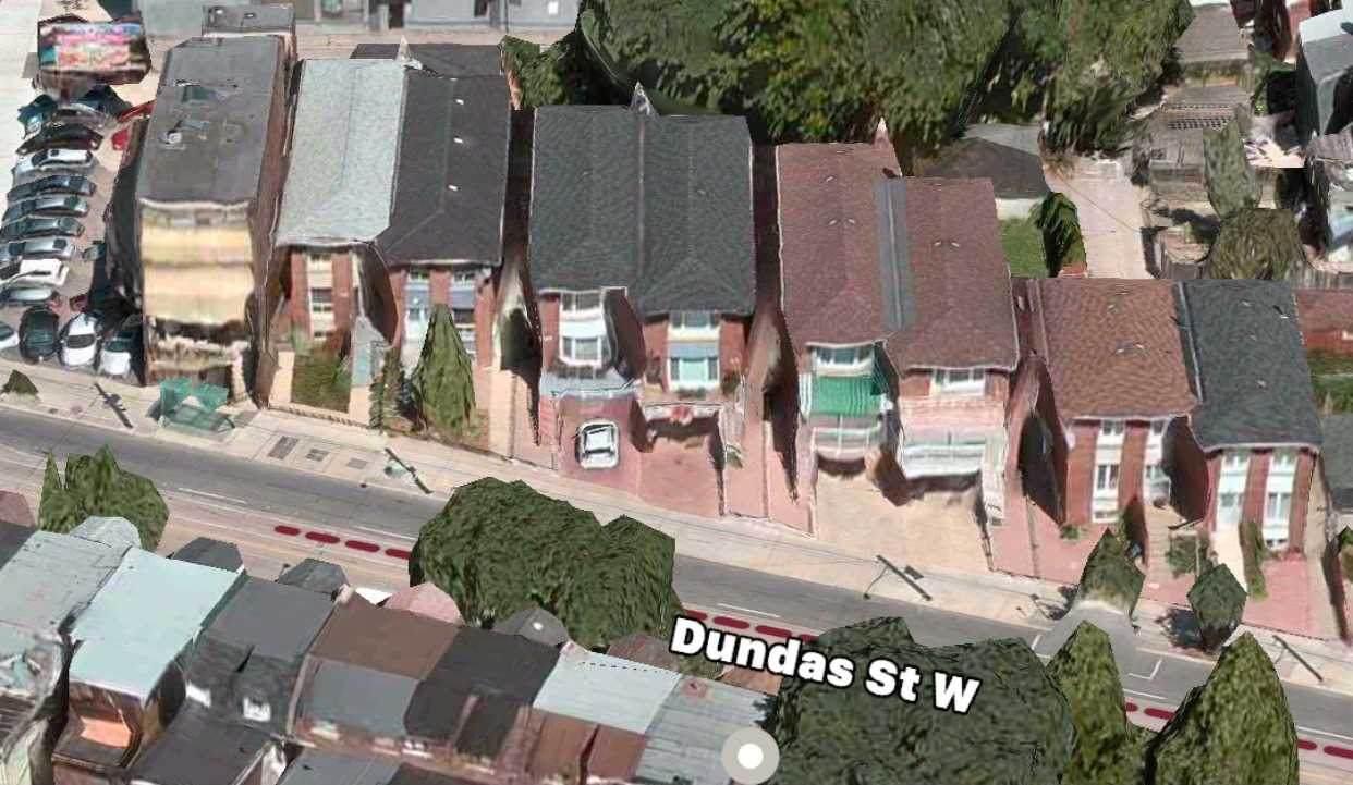 1736 Dundas St - Photo 1