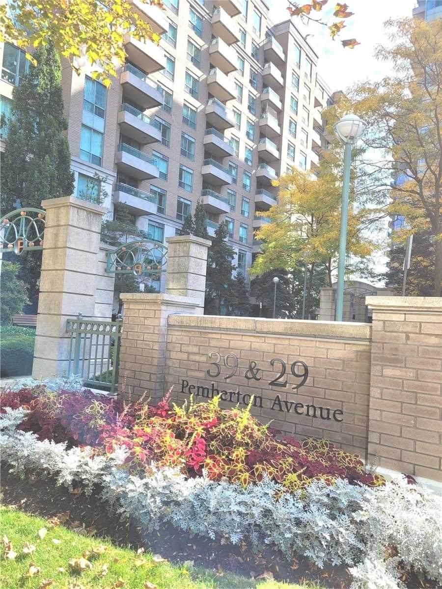 39 Pemberton Ave - Photo 1