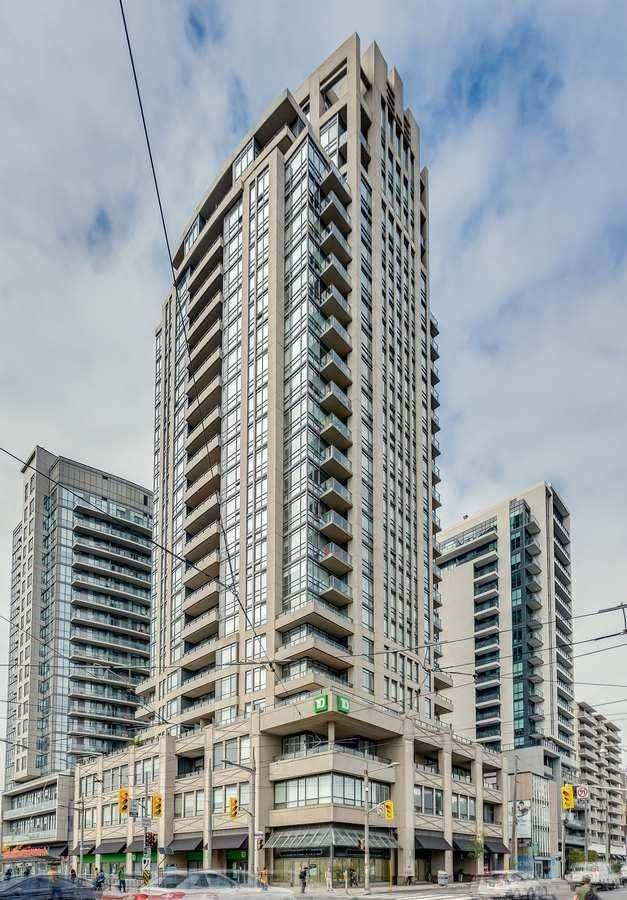 500 St Clair Ave #1705, Toronto, ON M6C 1A8 (#C5402199) :: Royal Lepage Connect
