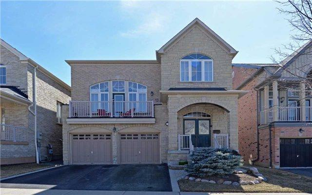 19 Loughlin  Hill Cres, Ajax, ON L1Z 1P8 (#E3935981) :: Beg Brothers Real Estate