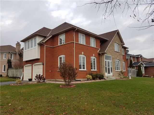 102 Sweetbriar Crt, Pickering, ON L1V 6R2 (#E3989525) :: Beg Brothers Real Estate