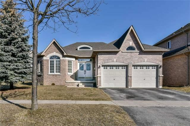 406 Frontier Crt, Pickering, ON L1W 4A9 (#E4072163) :: Beg Brothers Real Estate