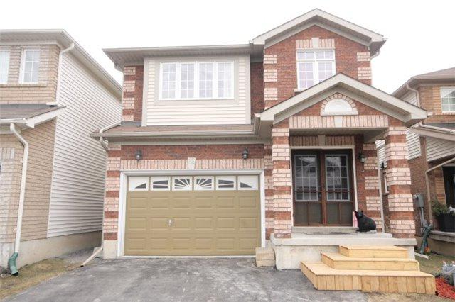 39 Dadson Dr, Clarington, ON L1C 5J1 (#E4105955) :: Beg Brothers Real Estate