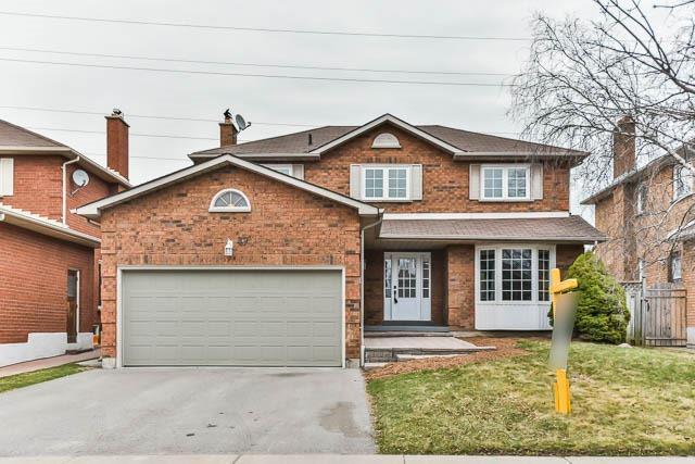47 Ingleborough Dr, Whitby, ON L1N 8J7 (#E4107351) :: Beg Brothers Real Estate