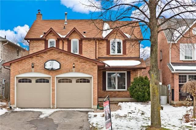 561 Rainy Day Dr, Pickering, ON L1V 5Z2 (#E4127308) :: Beg Brothers Real Estate