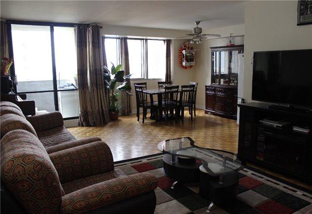 3 Massey Sq #2306, Toronto, ON M4C 5L5 (#E4127402) :: Beg Brothers Real Estate